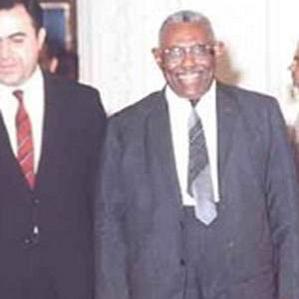 Ismail Al-Azhari bio