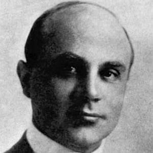 Oscar Apfel bio
