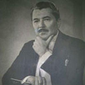 Leo Arnaud bio