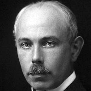 Francis William Aston bio