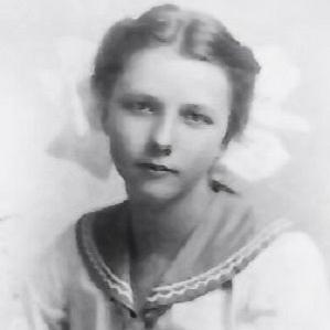 Ruth Becker bio