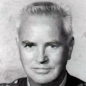 Donald V. Bennett bio