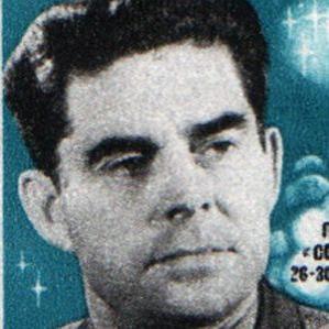 Georgy Beregovoy bio
