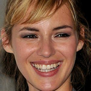 Age Of Louise Bourgoin biography