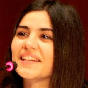 Age Of Zeynep Camci biography
