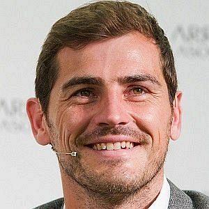 Age Of Iker Casillas biography