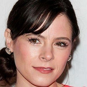 Age Of Elaine Cassidy biography