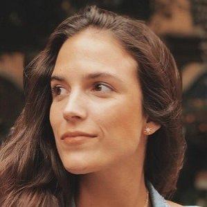 Age Of Paloma Derteano biography