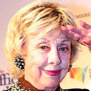 Age Of Lorrae Desmond biography