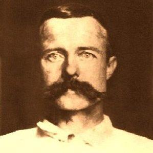 Warren Earp bio