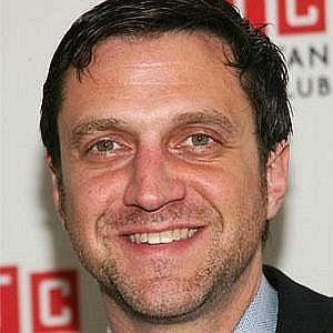 Age Of Raul Esparza biography