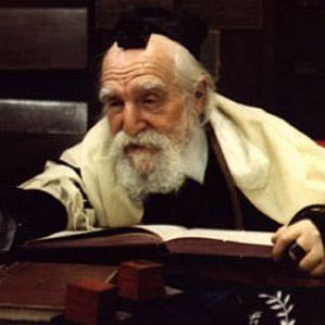 Moshe Feinstein bio