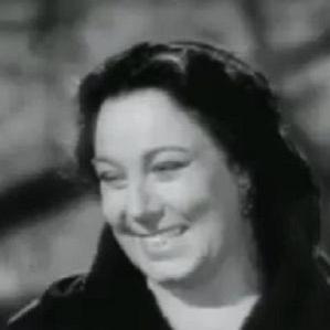 Connie Gilchrist bio