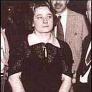 Anna Marie Hahn bio
