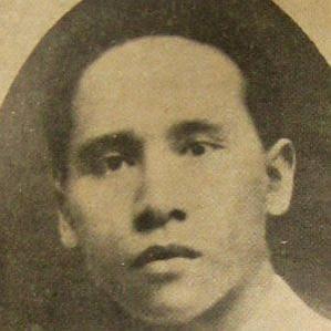 Amir Hamzah bio