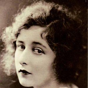 Mildred Harris bio