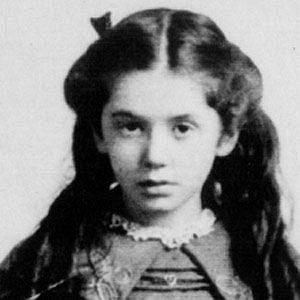 Age Of Eva Hart biography