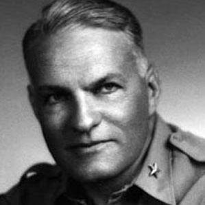 Willard Ames Holbrook Jr. bio