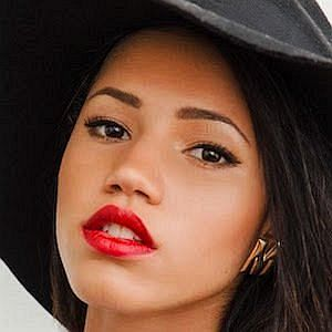 Age Of Vick Hope biography