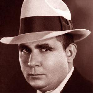 Robert E. Howard bio