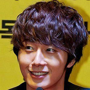 Age Of Jung Il-Woo biography