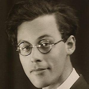 Rolf Jacobsen bio