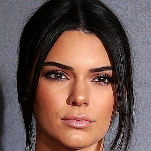 Age Of Kendall Jenner biography