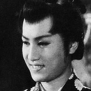 Yorozuya Kinnosuke bio