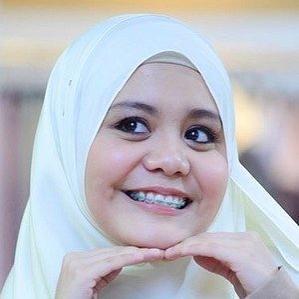 Age Of Najwa Latif biography