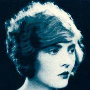 Dorothy Mackaill bio