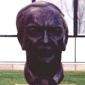 Sorley MacLean bio
