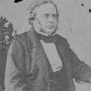 Rowland Hussey Macy Sr. bio