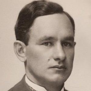 August Malk bio