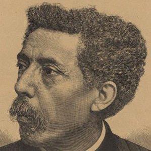 Sousa Martins bio