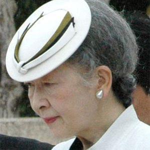 Age Of Empress Michiko biography