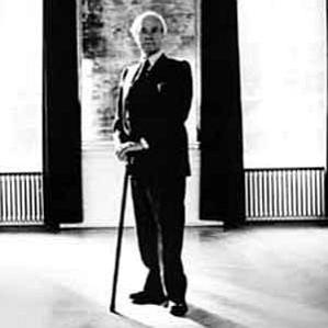 Henry Moore bio