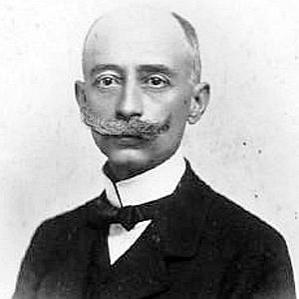 Henrique Oswald bio