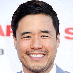 Age Of Randall Park biography
