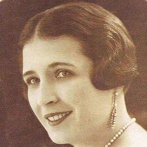 Teresa Parra bio