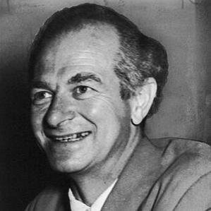 Linus Pauling bio