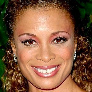Age Of Valarie Pettiford biography