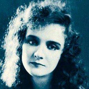 Mary Philbin bio