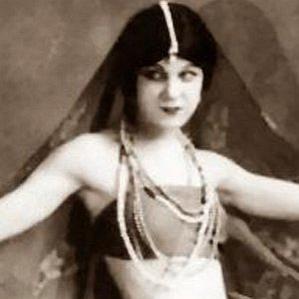 Lillian Powell bio