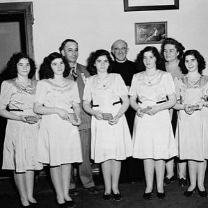 Age Of Dionne Quintuplets biography