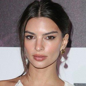 Age Of Emily Ratajkowski biography
