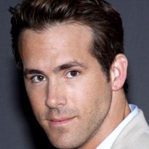 Age Of Ryan Reynolds biography
