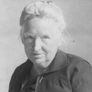 Alice Mary Robertson bio