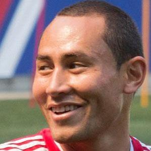 Age Of Luis Robles biography