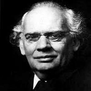 Julius Rontgen bio