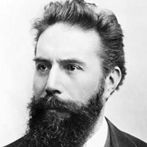 Wilhelm Rontgen bio